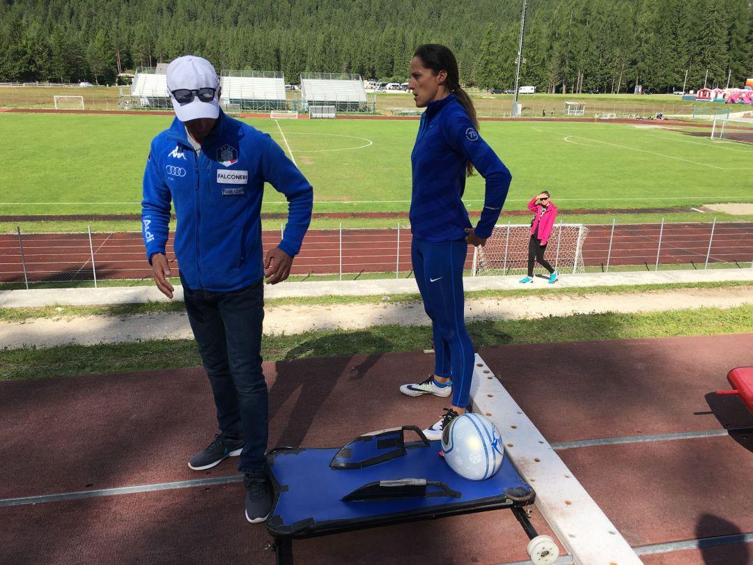 Elena Scarpellini concentrata prima della sua prova. L'ex-astista passata allo skeleton due stagioni fa, si è classificata al secondo posto