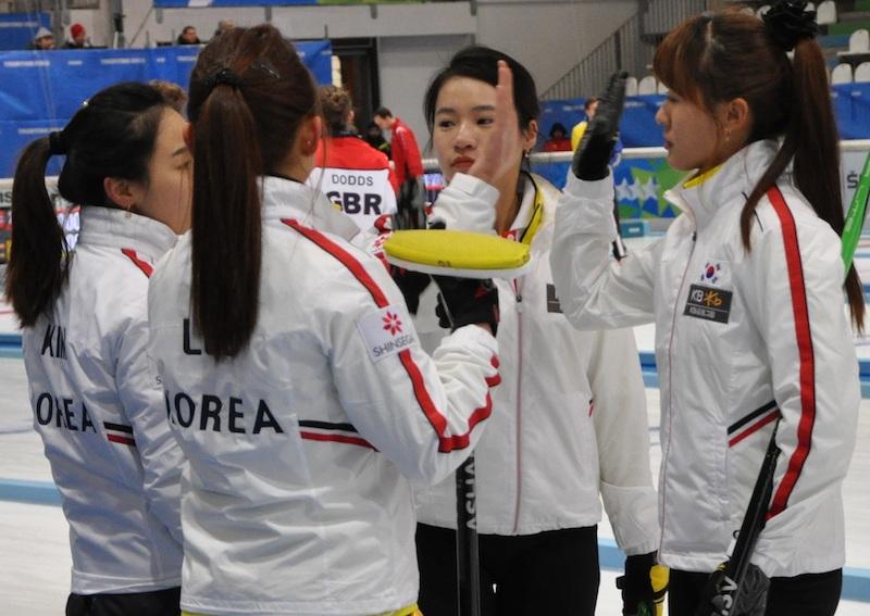 Gran Bretagna-Svezia (uomini) e Russia-Corea (donne) le finali del curling delle Universiadi