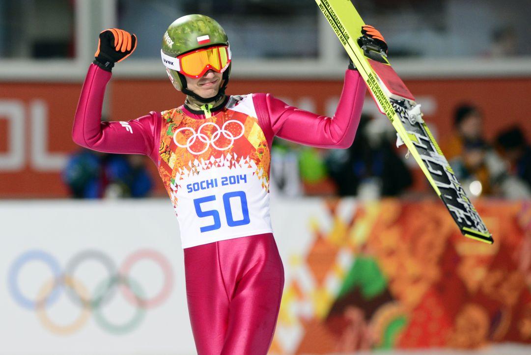 Kamil Stoch polverizza la concorrenza, è medaglia d'oro. Prevc storico argento