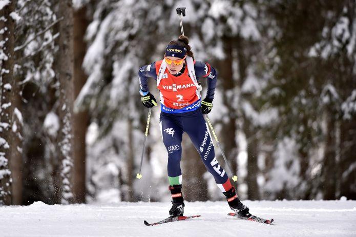 L'Italia femminile cerca la prima vittoria sulle nevi di Anterselva, mentre infuria la lotta per la Sfera di cristallo