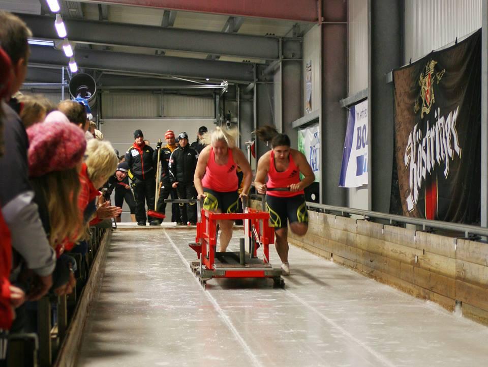 Schneiderheinze, Walther e Arndt vincono la gara internazionale di spinta di Oberhof