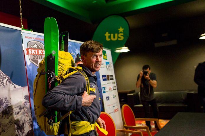 Davo Karnicar annuncia la discesa del K2 con gli sci ai piedi