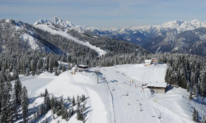 Tarvisio: La magia del Monte Lussari accesa dallo Ski by night