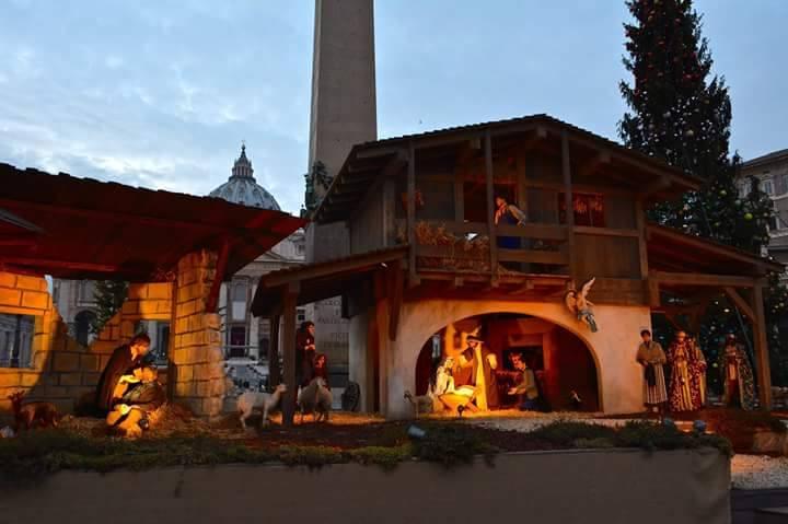 Il presepe che scalda il Natale e il Giubileo voluto da Papa Francesco arriva dalla Val di Fiemme