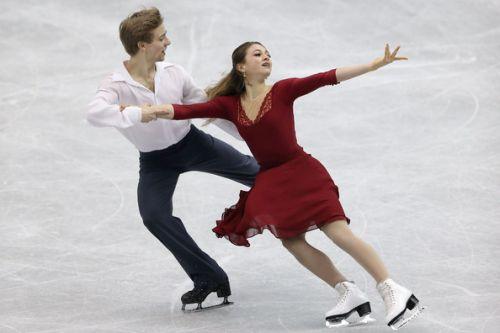 Dominio a stelle e strisce nella short dance! Conducono Kaitlin Hawayek/Jean-luc Baker