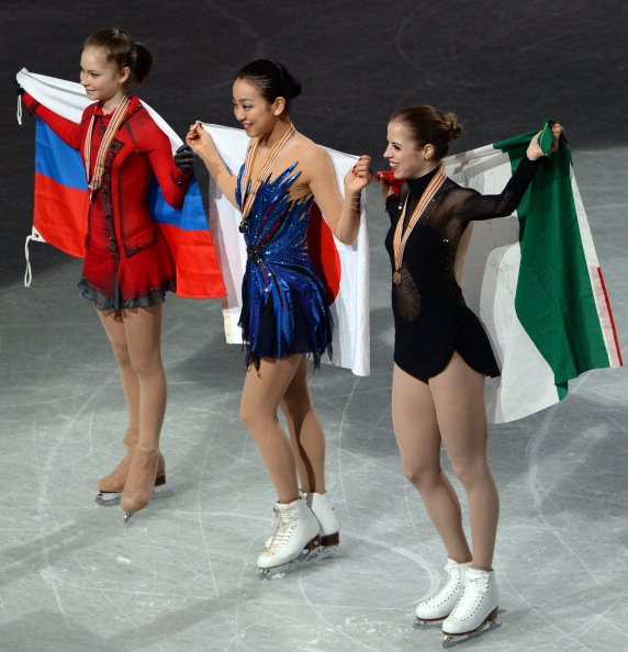 Il saluto delle grandi: oro in casa per Mao Asada, bronzo per Carolina Kostner mentre Julia Lipnitskaia si aggiudica l'argento
