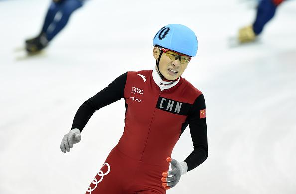 """Cina, tris di vittorie a Shanghai. Shim e la staffetta donne """"salvano"""" la Corea. Confortola 9° nei 1500"""