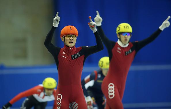 La Cina domina i Mondiali Junior di short track: pioggia d'oro con Ren, Qu e le staffette. Italia nelle retrovie