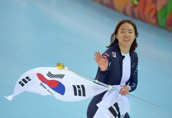 La donna dei record non sbaglia mai: Lee Sang-Hwa è d'oro nei 500