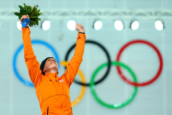 Ireen Wüst spodesta Sáblíková: è oro nei 3000 donne. Russia, primo podio con Olga Graf