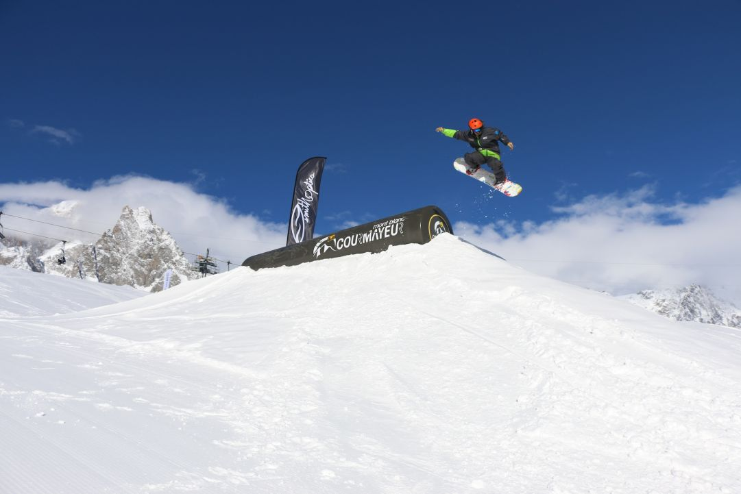 Snowpark Courmayeur i vostri trick con vista Monte Bianco