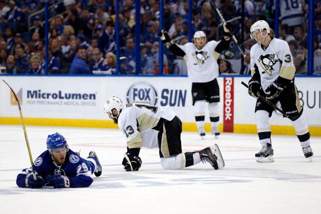 NHL: i Penguins vincono a Tampa e riportano la serie a Pittsburgh