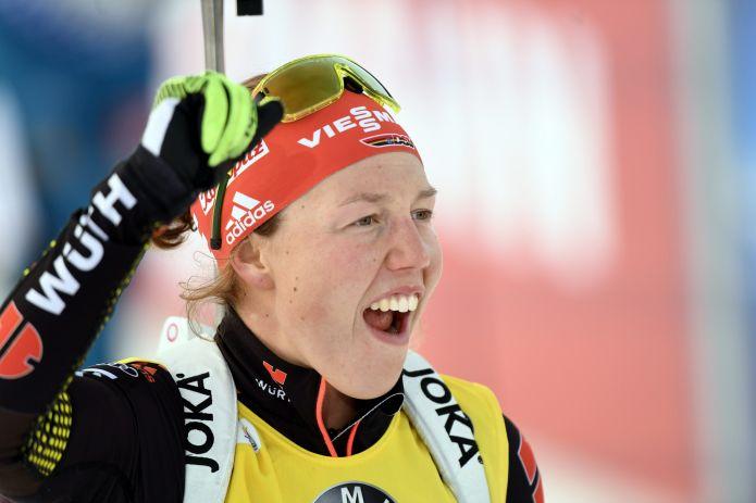 Dahlmeier 10 e lode con Coppa, primo podio per Lisa Vittozzi