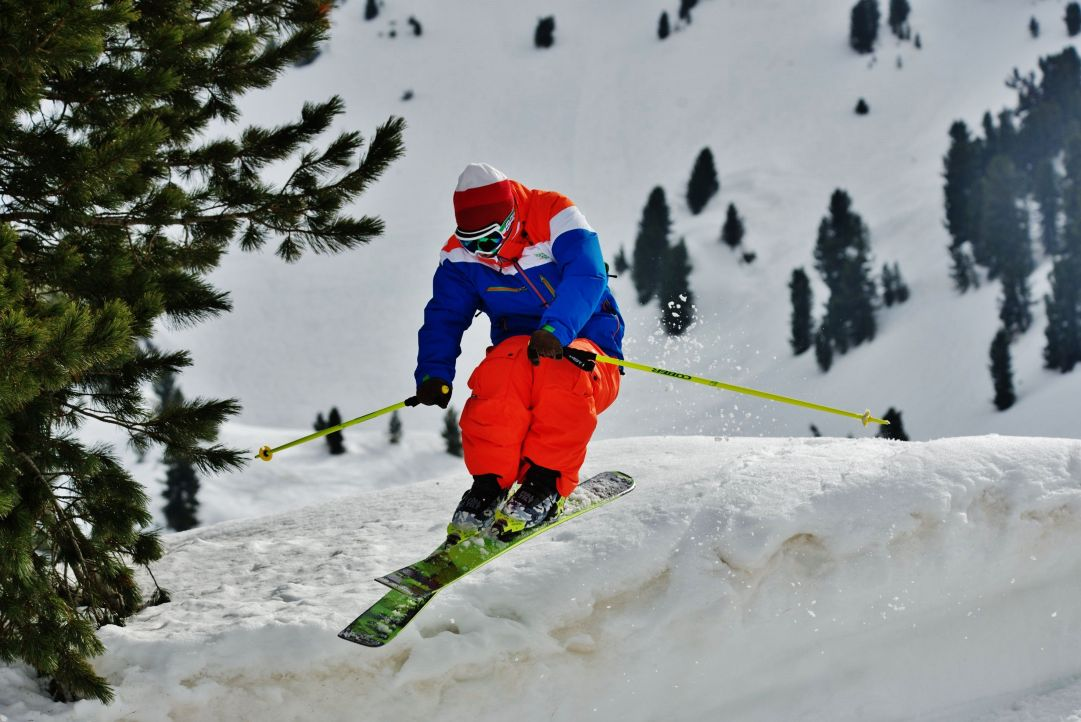 Test sci Neveitalia a Pampeago skier: andrea bergamasco