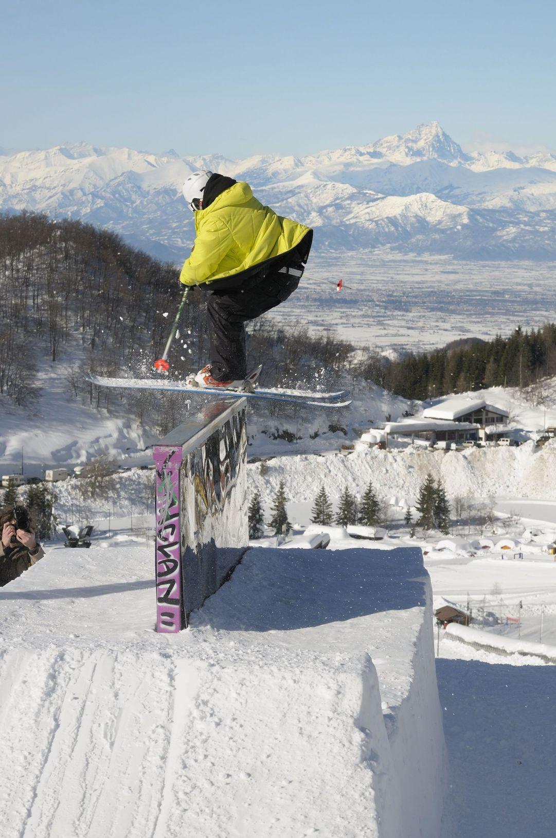 Foto scattata a Prato Nevoso (CN) in occasione della competizione RailWayToHeaven. Skier: Andrea Bergamasco Foto: Matteo Ganora Nikon D300s