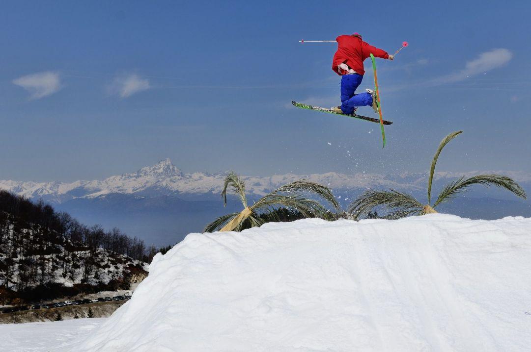 Foto scattata a Prato Nevoso (CN) in occasione della festa di fine stagione dello Snowpark. Skier: Andrea Bergamasco Foto: Matteo Ganora Nikon D300s