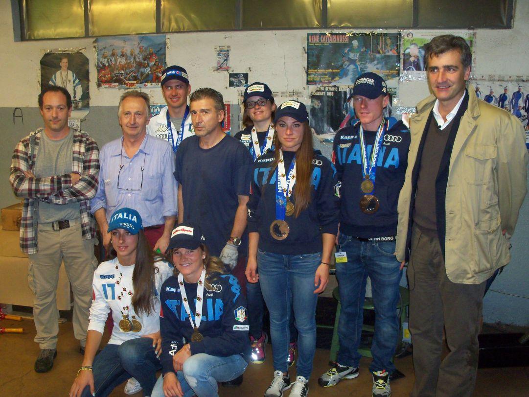 Foto di gruppo della squadra presso