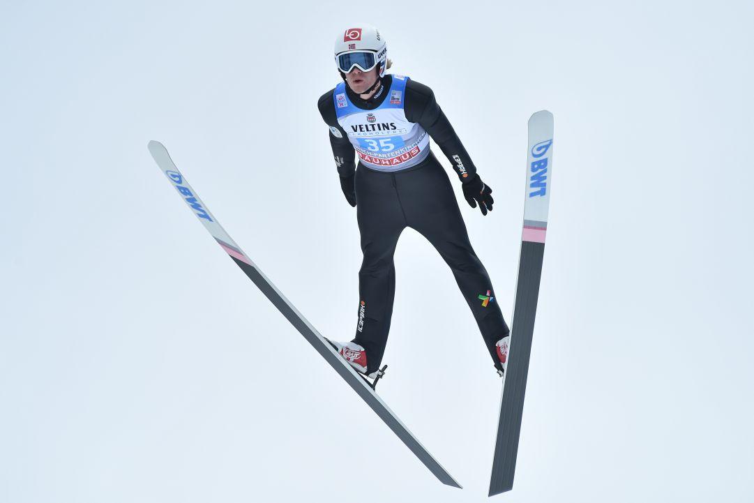 Daniel Andre Tande inizia la stagione con il botto, l'Austria fa festa nel Team Event