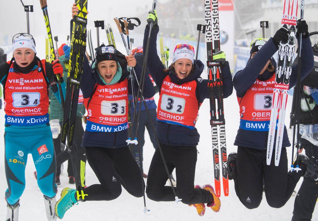 La Francia trionfa nella staffetta femminile di Oberhof, sesta l'Italia