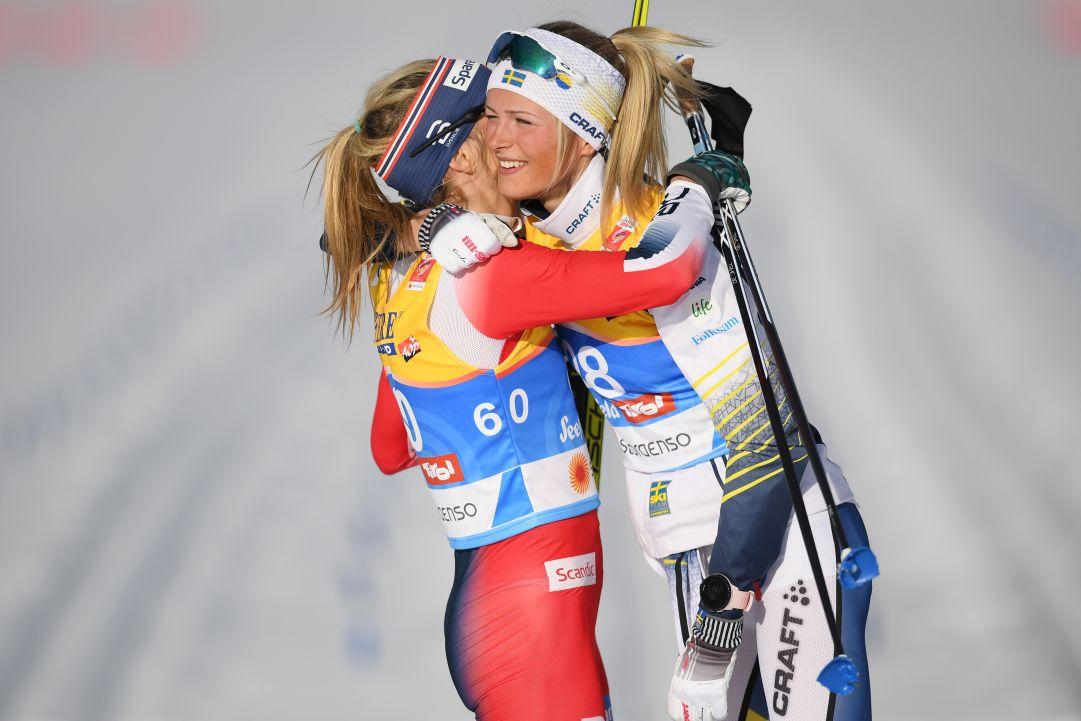 Frida Karlsson, che impresa nella 30 km di Oslo. Battuta nel finale Johaug