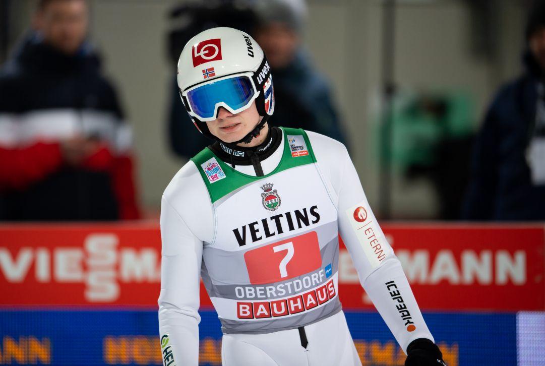 Marius Lindvik trionfa a Garmisch, per la Tournée è lotta a tre con Kobayashi davanti a Geiger e Kubacki