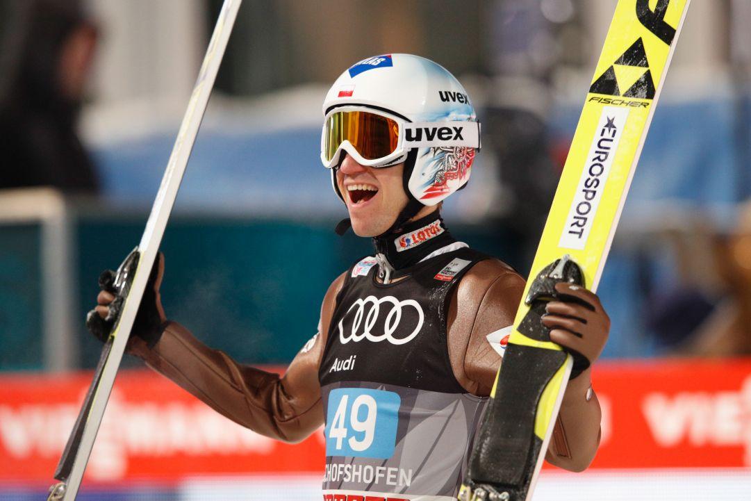 Kamil Stoch e Ryoyu Kobayashi trionfano ad Engelberg e mandano segnali per la Tournée