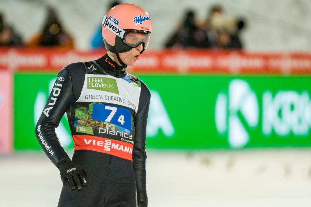 Karl Geiger inizia la Tournée dei quattro Trampolini con il botto, battuti Stoch e Lindvik