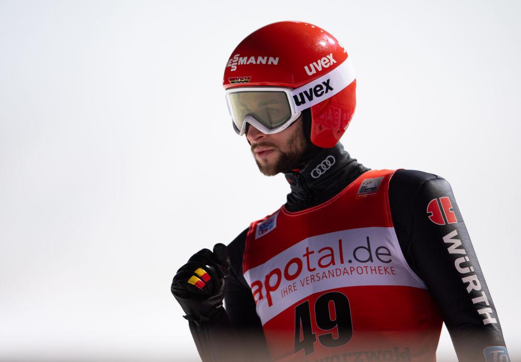 Salto con gli sci: a Rasnov l'ultimo appuntamento prima dei mondiali, Eisenbichler comanda nel prologo