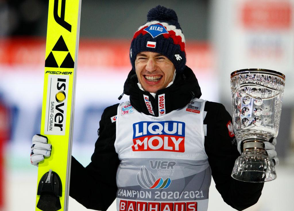 Salto con gli sci: Kamil Stoch domina anche a Titisee-Neustadt ed eguaglia Adam Malysz