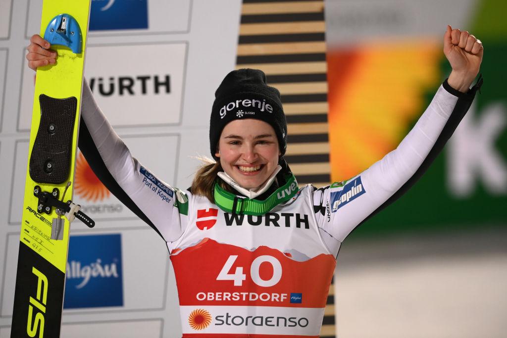 Salto con gli sci: Marita Kramer imbattibile anche a Chaikovsky, Niza Kriznar conquista la Coppa