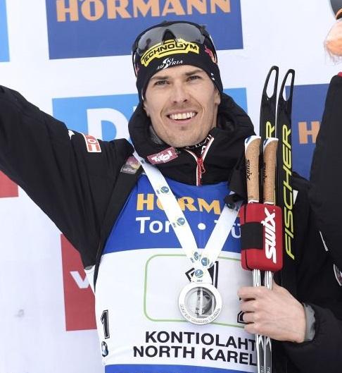 Julian Eberhard si impone nella partenza in linea di Kontiolahti, settimo Windisch