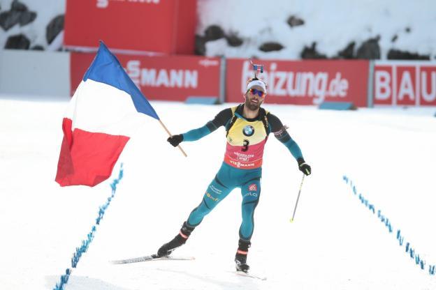 Assolo di Martin Fourcade nella Sprint di Tyumen che conquista gara, Coppa generale e di specialità