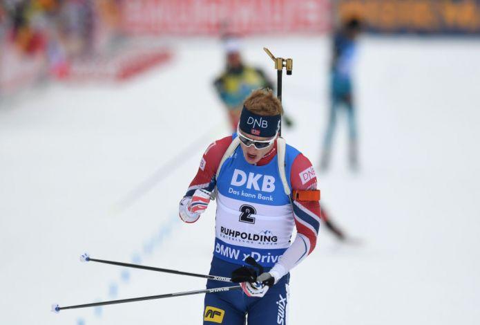 Johannes Bø batte Martin Fourcade nella Mass di Ruhpolding e completa il Grande Slam