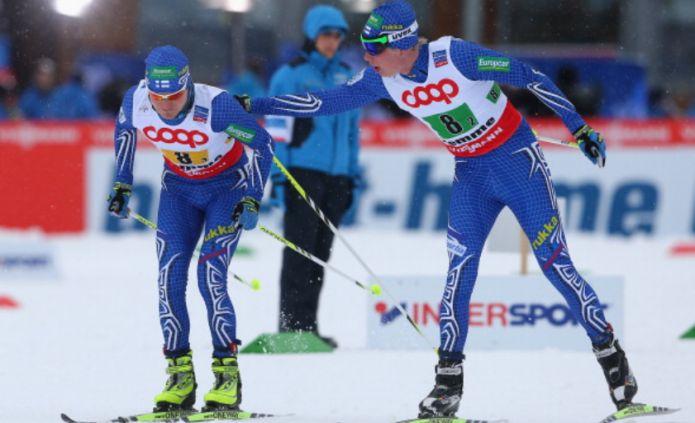 Tempo di ritiri anche per la combinata Suomi : Lasciano Härtull e Leinonen .