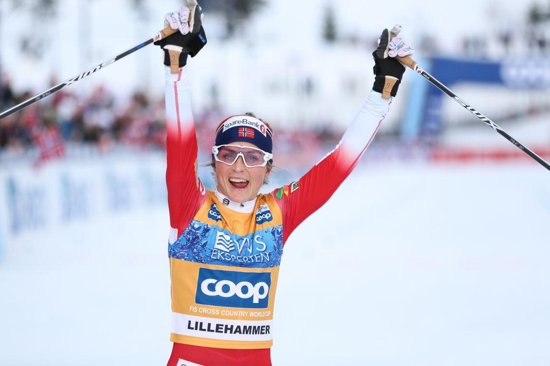 La Norvegia vince la staffetta femminile di Lillehammer trascinata da un'indemoniata Johaug!