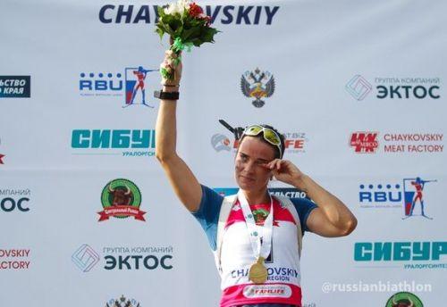 Svetlana Sleptsova è incinta, ma domina l'inseguimento dei Mondiali estivi. Tra gli uomini vince Alexey Volkov
