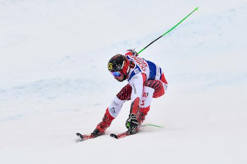 Marcel Hirscher ipoteca la vittoria nella prima manche del gigante dell'Alta Badia