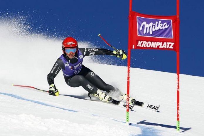 Anche Coralie Frasse-Sombet salta il gigante di Sölden