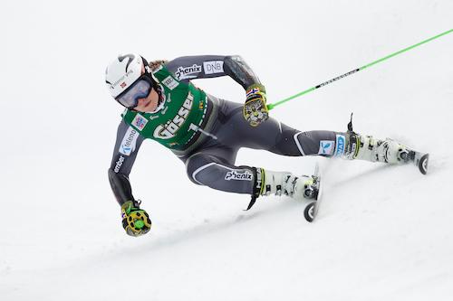 Ragnhild Mowinckel davanti nella prima prova di Cortina d'Ampezzo