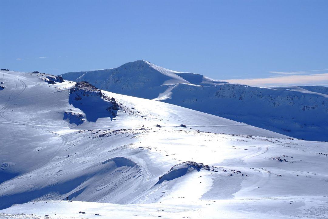 Monte Greco e la Valle di Chiarano dalle piste di