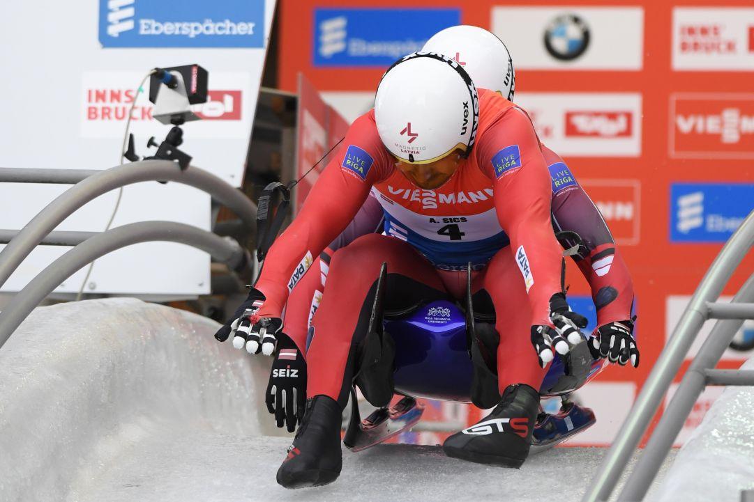 Slittino: Ivanova soffia a Geisneberger il 50° successo in Coppa del Mondo! I fratelli Sics trionfano sul circuito di casa