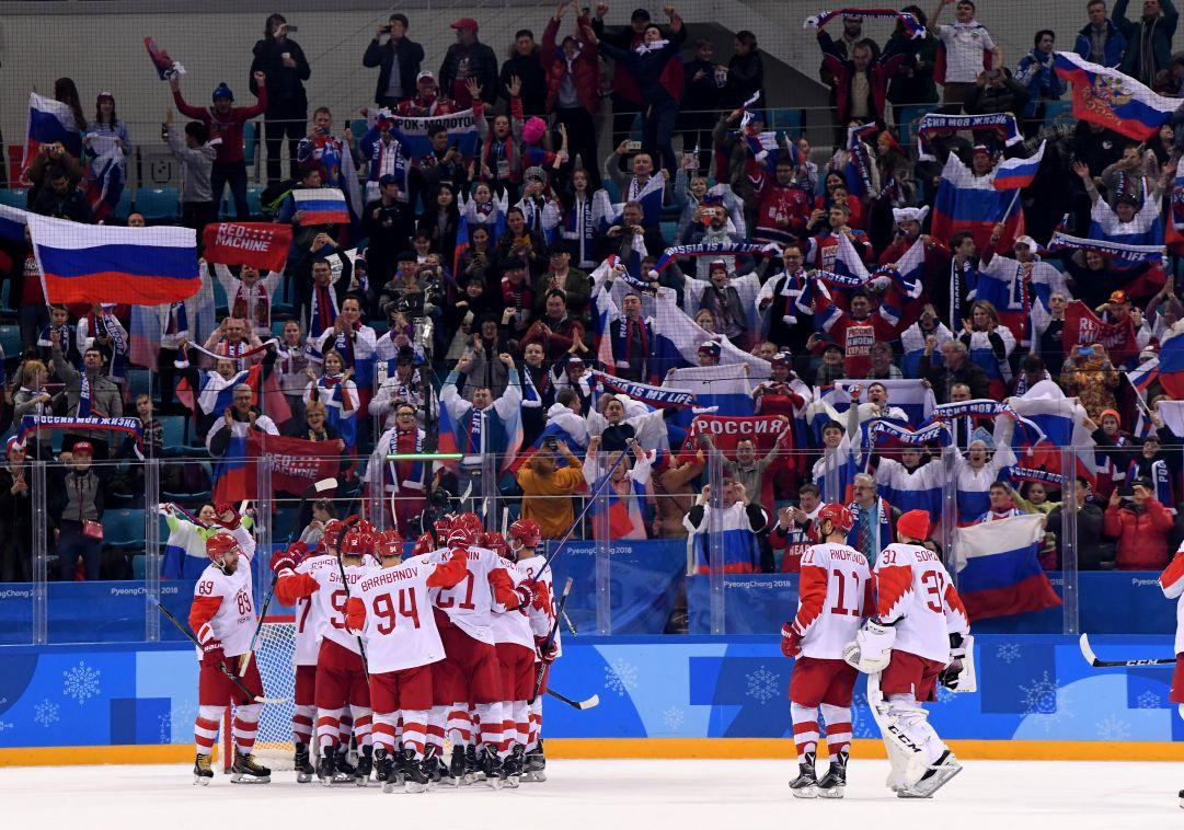 Tragedia in Russia: giocatore di hockey muore dopo essere stato colpito dal disco