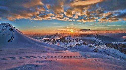 Ancora niente sci estivo sullo Stelvio: posticipata l'apertura della funivia