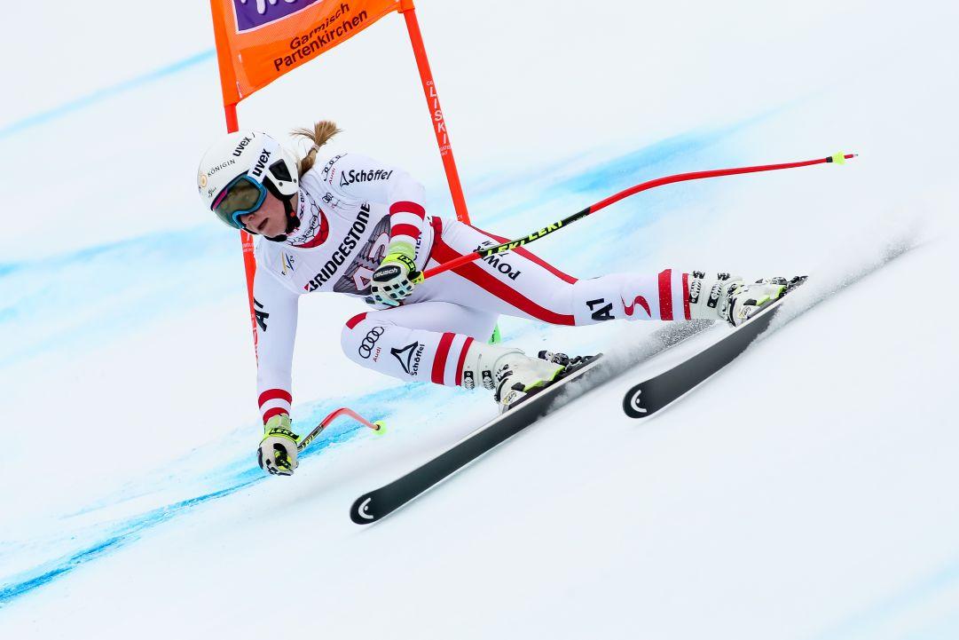 Anche Raedler deve alzare bandiera bianca: caduta in prova fatale, l'austriaca chiude la stagione a Lake Louise