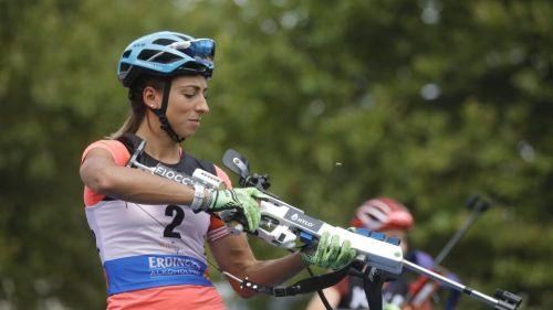Lisa Vittozzi è una macchina a Wiesbaden: sappadina in trionfo al City Biathlon, anche Wierer sale sul podio