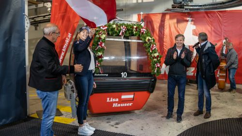 Che onore per Lisa Hauser: la gondola di Kitzbuehel per la biatleta nativa proprio della località tirolese