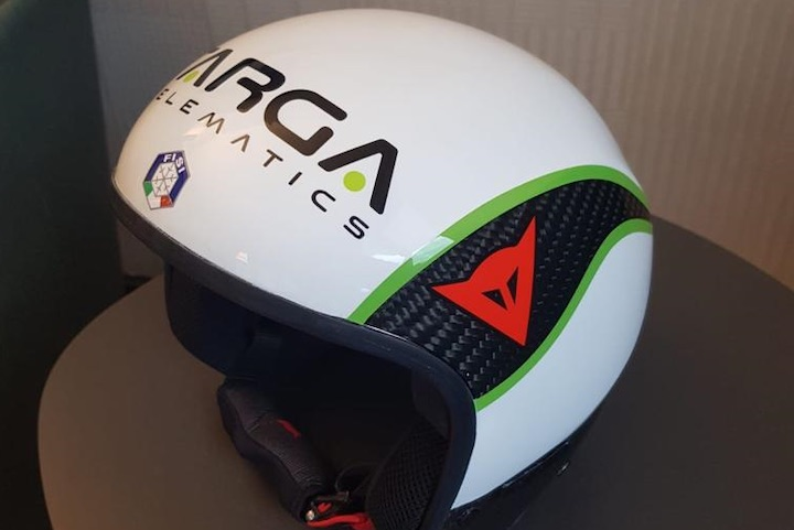 Emanuele Buzzi propone un casco innovativo per lanciarsi verso la nuova stagione