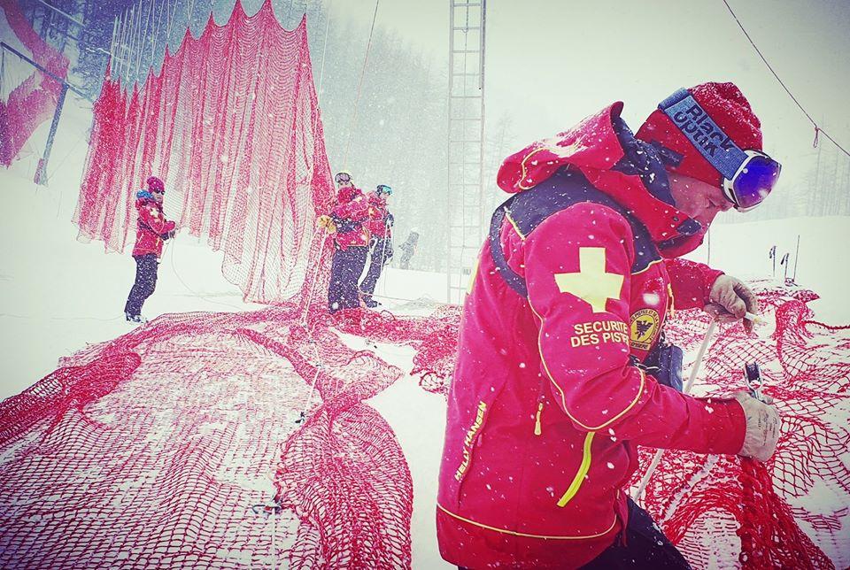 In Val d'Isère nevica, ma c'è fiducia: 'Abbiamo gli uomini per farcela'. Slalom confermato alle ore 9.30 di sabato