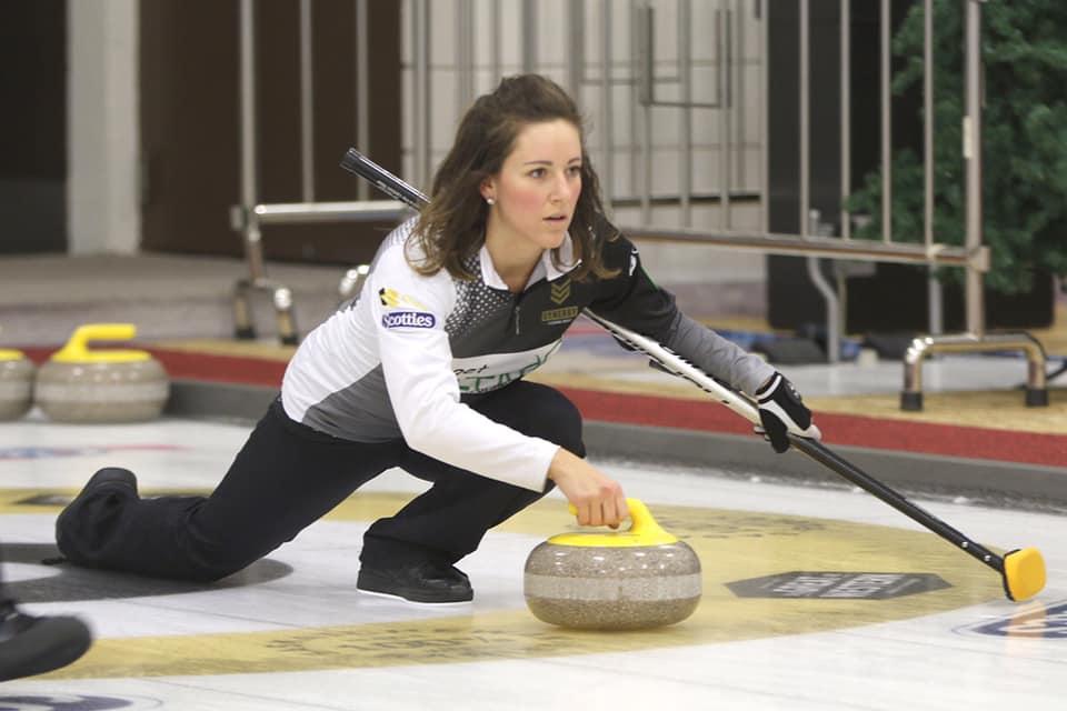 Il mondo del curling piange Aly Jenkins, morta a 30 anni per le complicazioni nel parto del terzo figlio