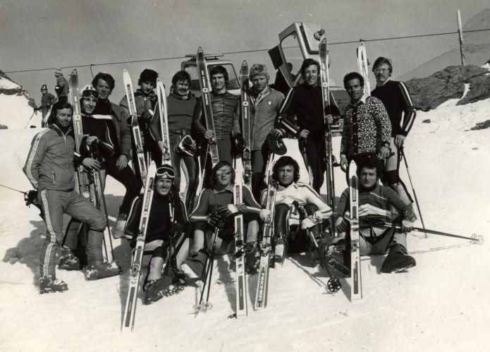 Tanti ex sciatori ai funerali di Mario Cotelli: l'addio commosso di Sondrio ad un mito della neve